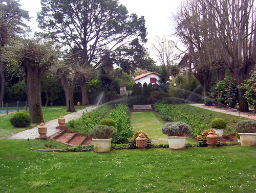 Am nagement paysager dans le pays basque culture jardin for Entretien jardin bidart
