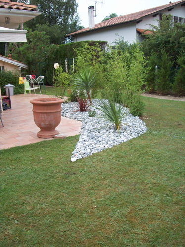 Am nagement paysager dans le pays basque culture jardin for Terrasse amenagement plantes